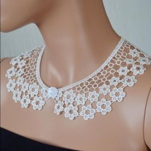 Jewelry - Lace Bib Collar